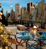 A romantic experience with view of the city